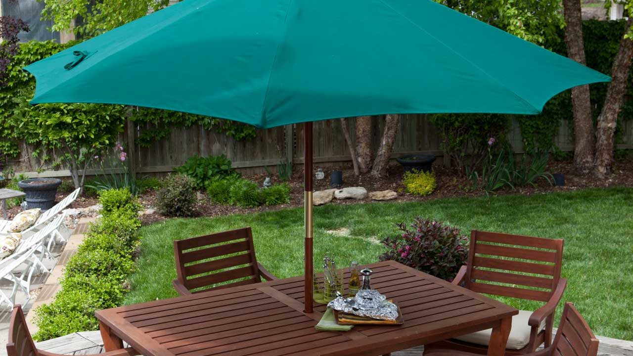 Garden Umbrella<div style='clear:both;width:100%;height:0px;'></div><span class='cat'>Umbrellas</span>